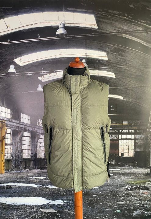 STONE ISLAND GARMENT DYED CRINKLE REPS NY DOWN -TC GILET